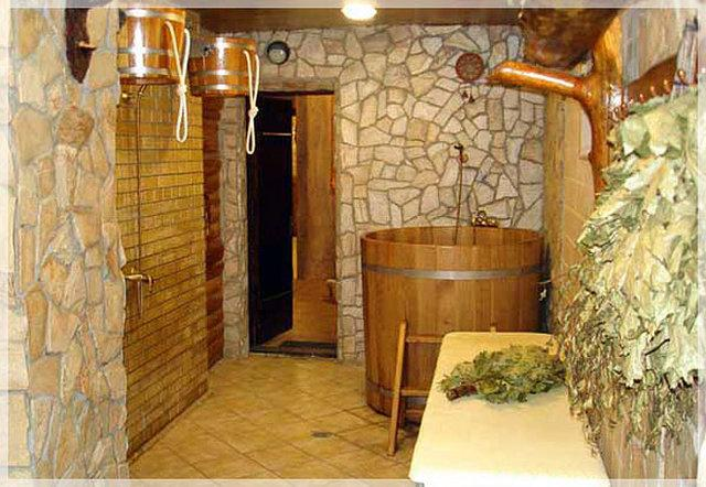 Баня с душем на даче