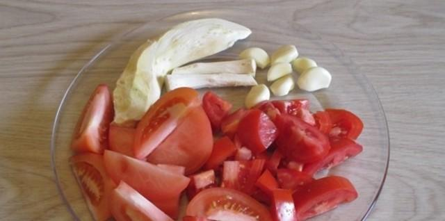 Рецепт зеленых помидор с хреном: как приготовить хреновину на зиму