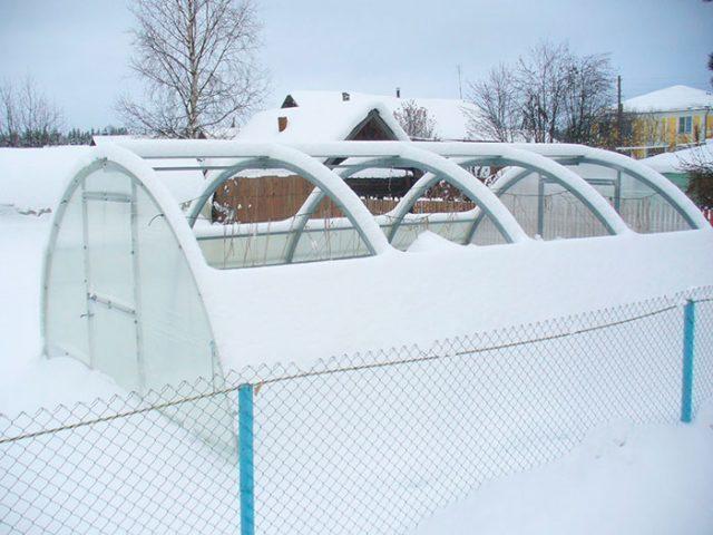 Парник с открывающейся крышей из поликарбоната