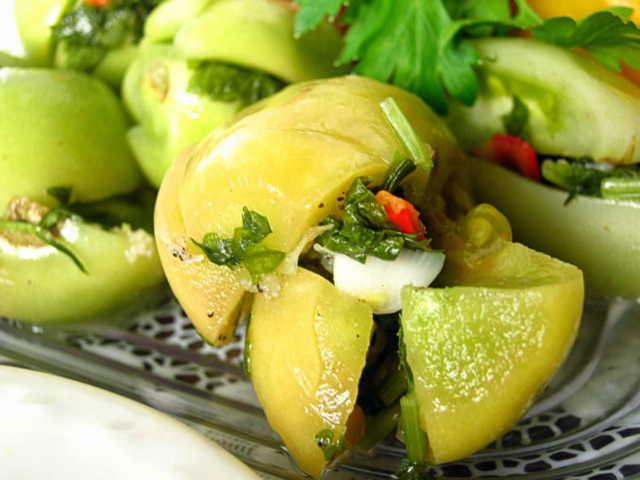 Квашеные зеленые помидоры быстрого приготовления