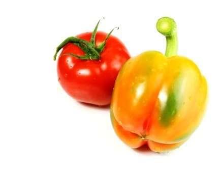 Удобряем рассаду томатов и перцев