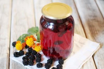 Компот из ежевики на зиму: рецепты с яблоками, смородиной, вишней, из замороженной ежевики