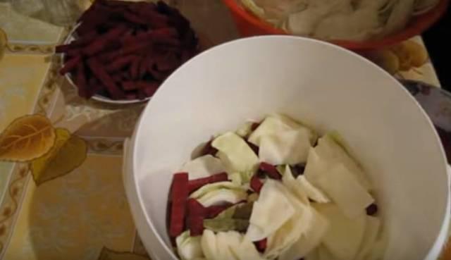 Маринованная капуста быстрого приготовления с уксусом: рецепт в банках на зиму