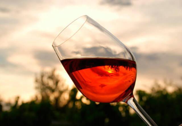 Вино из брусники в домашних условиях: простой рецепт
