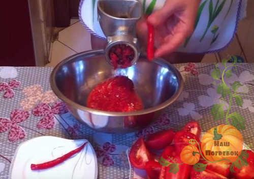 Аджика абхазская: острая, с грецким орехом, традиционный рецепт
