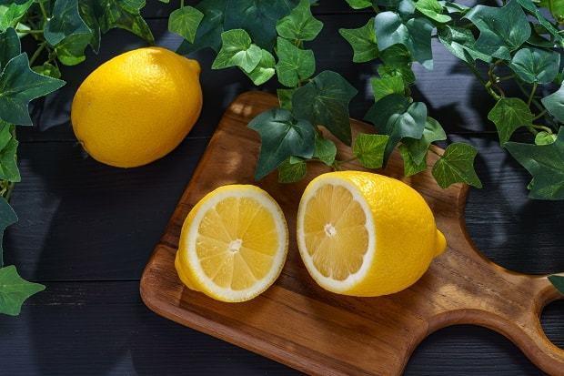 Чем полезен лимон для организма: от чего помогает, как использовать, калорийность