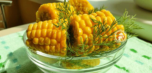 Вареная кукуруза: польза и вред для организма, калорийность