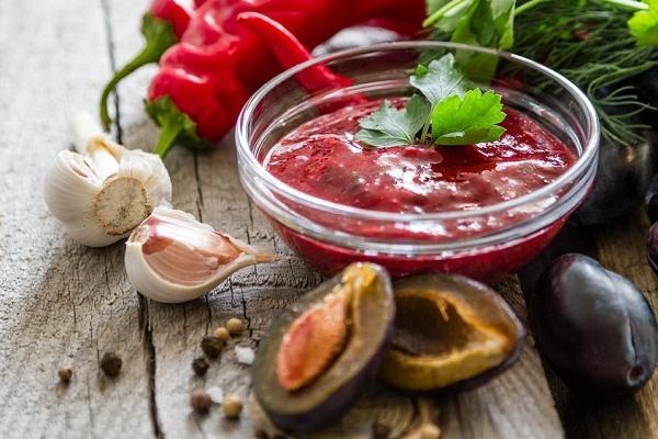 Ткемали из красной алычи: рецепты приготовления по классическому грузинскому рецепту