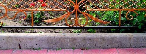 Кованые палисадники: виды + фото