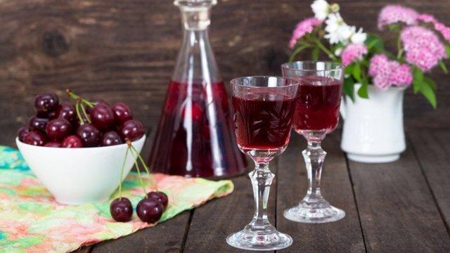 Рецепт наливки из черешни в домашних условиях