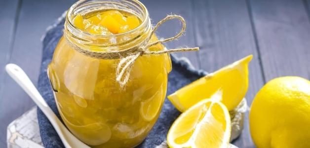 Лимон с сахаром в банке: рецепты, польза и вред для организма