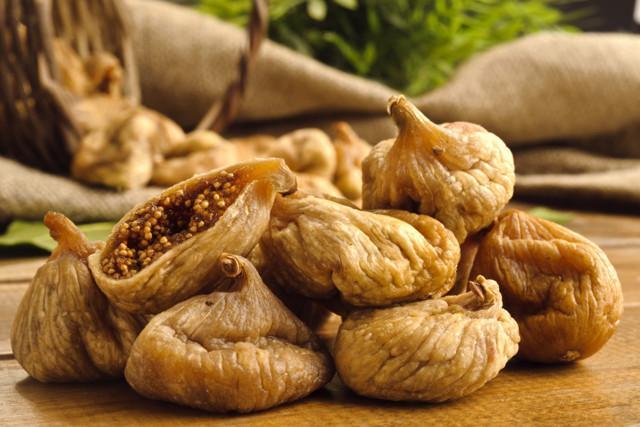 Инжир вяленый: польза и вред для организма, калорийность