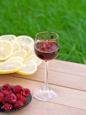 Малиновое вино в домашних условиях: простой рецепт