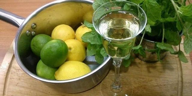 Самогон на лимоне: рецепты настоек в домашних условиях