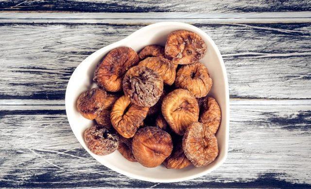 Инжир: польза и вред для организма человека, это фрукт или ягода, как правильно есть, сколько можно съедать в день