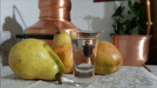 Грушевая настойка в домашних условиях: простые рецепты приготовления на сушеной, копченой груше