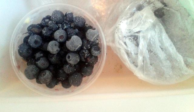 Как заморозить чернику на зиму: в холодильнике, в морозильнике, нужно ли мыть перед заморозкой, в пакетах, с сахаром