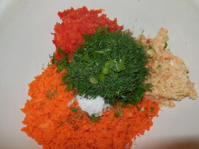 Фаршированные зеленые помидоры на зиму: с чесноком, острым перцем, зеленью, морковью