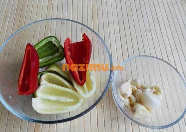 Маринованные зеленые помидоры с чесноком