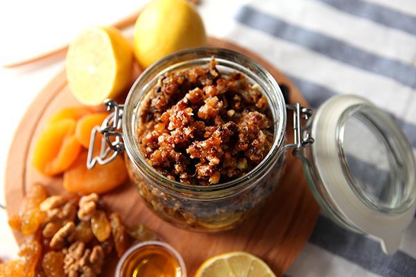 Мед, орехи, лимон, курага и чернослив для иммунитета: польза, рецепты, отзывы