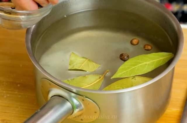 Маринованная капуста с перцем болгарским быстрого приготовления