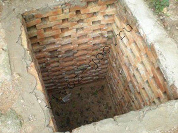 Из чего сделать выгребную яму для туалета. Как правильно выкопать яму под туалет на даче