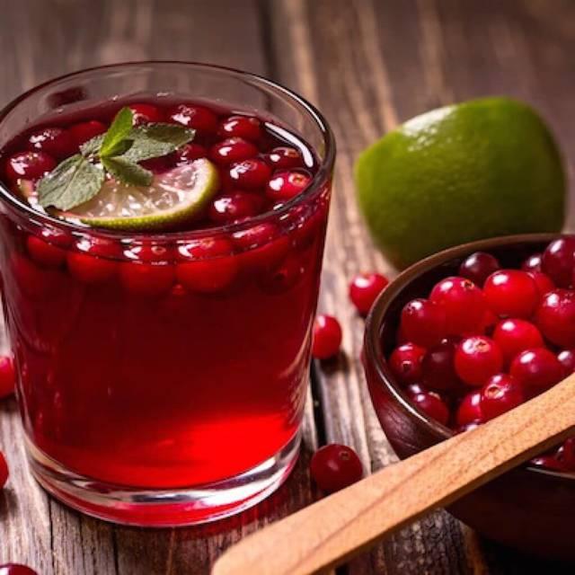Клюквенный сок: польза, рецепты